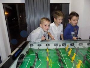 dečaci dum rođendan